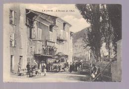 Cpa Du 04- LA JAVIE - L'Arrivée De L'Autobus - Francia