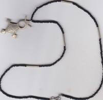 Bijoux Collier Avec Etoile (certainement De L'argent) Origine Mali (sud -Région De Sheba) - Ethnics