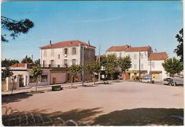 Toulon: CITROËN 2CV, RENAULT 16, GOELETTE - 'Bon Lait' - La Place De La Serinette - Toerisme