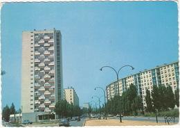 Rennes: RENAULT  16, CITROËN 2CV, SOLEX  - Tour De La Binquenais Et Square Edouard Herriot - Toerisme