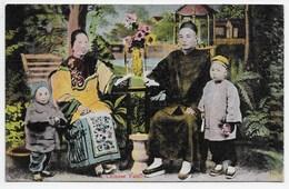 A Chinese Family. - Sternberg - China (Hong Kong)