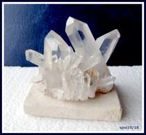 Gerbe De Pointes De CRISTAL DE ROCHE Montée Sur Socle -  8 X 7 X 5 Cm - Minéraux