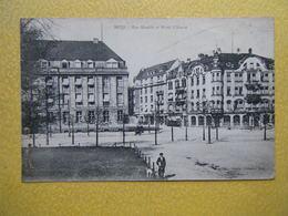 METZ. La Rue Harelle Et L'Hôtel D'Alsace. - Metz