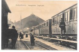Denmark - København - Banegaarden - Tog Med Passagerer - Train On Railway Station - Dänemark