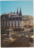 Clermont-Ferrand: RENAULT ESTAFETTE, PEUGEOT 204 BREAK, CITROËN DS, 2CV, AUTOBUS  - Statue Vercingetorix - Toerisme