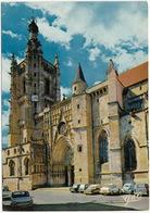Le Livradois - Ambert:  SIMCA 1100, PEUGEOT 403 BREAK, 404, RENAULT 4CV, CITROËN DS, AMI, SIMCA 1000 - Eglise Saint-Jean - Toerisme
