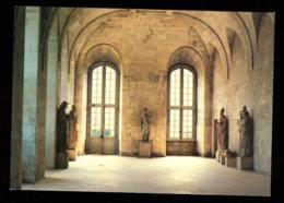 BRIONNE LE BEC HELLOUIN  Statues De L'entrée édition Des Ateliers Du Bec - France