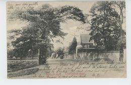 ROYAUME UNI - ENGLAND - SURREY - WEYBRIDGE - The Heath Road - Surrey