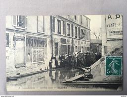 BEZONS 95 - Inondations 1910 - L'attente Au Passage - Bezons