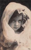 Portrait D'une Petite Fille - Foulard Prière - Enfants