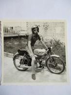 MOTO Flandria - Photographie Argentique  Moto Années 70 -  Format 8,5 X 8,5 - TBE - Photographs