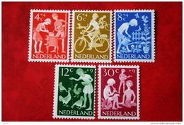 Kinderzegels, Child Welfare Kinder Enfant NVPH 779-783 (Mi 785-789) 1962 POSTFRIS / MNH ** NEDERLAND / NIEDERLANDE - 1949-1980 (Juliana)