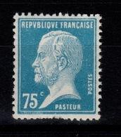 YV 177 N** Pasteur Cote 8 Euros , Dents Sud Legerement Rognées - France
