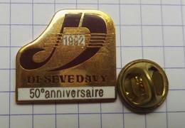Pins Logo Badge A Identifier EGF - Rugby