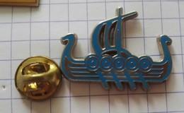 Pins Logo Badge Arthus Bertrand Bateau - Arthus Bertrand