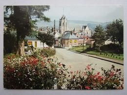 Cp 76 AUMALE  - Route Vers Le Quartier De L'église L'entrée Du Bourg 1969 - Aumale
