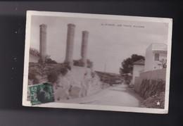30 , GARD, NIMES, LES TROIS PILIERS - Nîmes