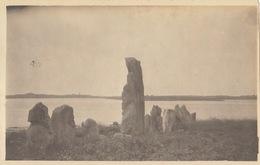 Photo Format Carte Postale Bretagne Morbihan Er Lannic Menhir Dolmen 1921 - Lieux