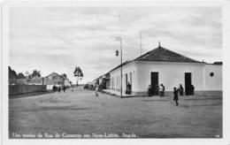 Angola - Topo / 42 - Um Trecho Da Rua Do Comercio En Nova Lisboa - Angola
