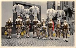 Belgique - Carnaval De Binche - Groupe De Gilles En Grande Tenue Au Cortège - Binche