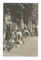 CHALON-SUR-SAONE PENDANT LA CAMPAGNE 1914 PAS DE JALOUX... DISTRIBUTION DE SOUPE PAR LES SOLDATS - Chalon Sur Saone