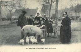 CPA Paysans Bourbonnais Venus à La Foire - Truie Porcelets Enfants Ecoliers Circulée 1917 - Francia