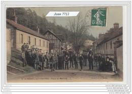 1136D27 AK/PC/CPA/27/LE MESNIL SUR L ESTREE/PLACE DU MARCHE/COLORISEE/1908/TTB - Francia
