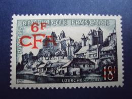 "1954-CFA- Timbre N°  325   ""  Uzerche      ""   Neuf,  ++  Cote    1.40      Net    0.35 - Réunion (1852-1975)"