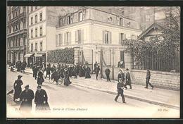 CPA Paris, Sortie De L'Usine Aboilard, Avenue Breteuil 46 - France