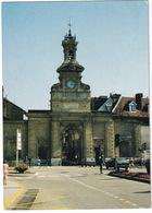 Pontarlier:  SIMCA 1307, PEUGEOT 104 - La Porte St-Pierre - Toerisme