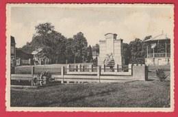 Marchin - Monument Aux Morts , Sculpteur  : Georges Hubin + Kiosque - 195? ( Voir Verso ) - Marchin