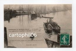 - CPA CATASTROPHE DE MONTREUIL-BELLAY (49) - 23 Novembre 1911 - Les Scaphandriers S'apprêtent à Descendre... - Montreuil Bellay