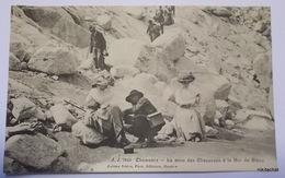 CHAMONIX-La Mise Des Chaussons à La Mer De Glace - Chamonix-Mont-Blanc