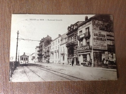 Heyst S/Mer Boulevard Léopold Tram Animee - Cartes Postales