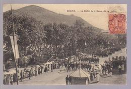 Cpa Du 04-DIGNE - Le Défilé De La Revue Du 14 Juillet - Digne