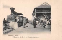 Dahomey - Cotonou / 71 - Le Train En Gare - Très Beau Cliché - Dahomey