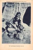 Burkina Faso / 32 - Sacrificateur Immolant Un Coq - Burkina Faso