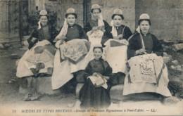 H216 - 29 - Groupe De Brodeuses Bigoudennes à PONT-L'ABBÉ - Finistère - Pont L'Abbe