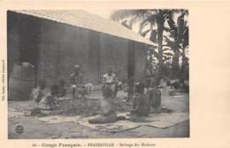 Congo - Brazzaville / 11 - Séchage Des Haricots - Brazzaville
