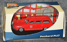 PANHARD PL17 Pompiers - Voitures, Camions, Bus