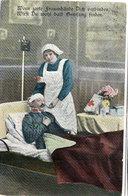 Infirmière De La Croix Rouge Soignant Un Blessé Militaire    (110381) - Croix-Rouge