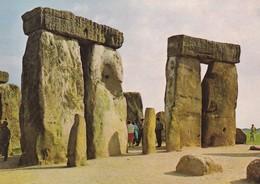 Postcard Stonehenge Wiltshire Sarsen Of The Bluestone Horseshoe Dolmen Menhir Standing Stones My Ref  B23193 - Dolmen & Menhirs