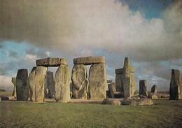 Postcard Stonehenge Wiltshire Western Aspect Dolmen Menhir Standing Stones My Ref  B23194 - Dolmen & Menhirs