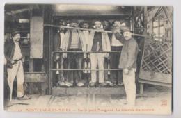MONTCEAU LES MINES (71) - Sur Le Puits Maugrand - La Descente Des Mineurs - Mine - MINEURS DE FOND - Animée - Mines
