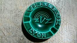 """Ancien Cendrier Visseaux Lyon """" Les Petites Visseaux Font Les Grandes Lumières"""" Procéram Aubagne Provence - Cendriers"""