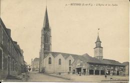 RETIERS, L'église Et Les Halles - Otros Municipios