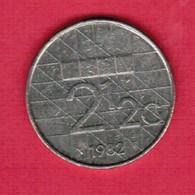 NETHERLANDS   2 1/2 GULDEN 1982  (KM # 206) #5190 - [ 3] 1815-… : Kingdom Of The Netherlands