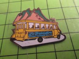 510B Pin's Pins /  Belle Qualité Et Rare / THEME TRANSPORTS : AUTOBUS LE BELVEDERE TAHITI RESTAURANT PANORAMIQUE - Trasporti