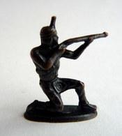 Rare FIGURINE KINDER  METAL INDIEN 3 70's - U-EI Indianer (2) - Figurines En Métal