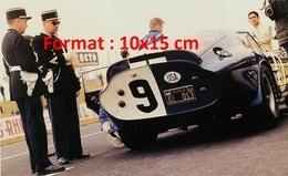 Reproduction D'une Photographie D'une Cobra-Dayton Aux 24 Heures Du Mans De 1965 - Reproductions